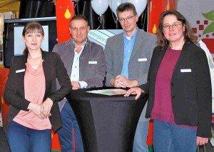 Unser Team beim Start auf der expoSE: Tanja Dolić (Redakteurin), Carsten Buschkühle (Geschäftsführer), Thomas Bunte (Webmaster) und Heike Sommerkamp (Redaktionsleitung). Foto: Kseniya Ibadulina