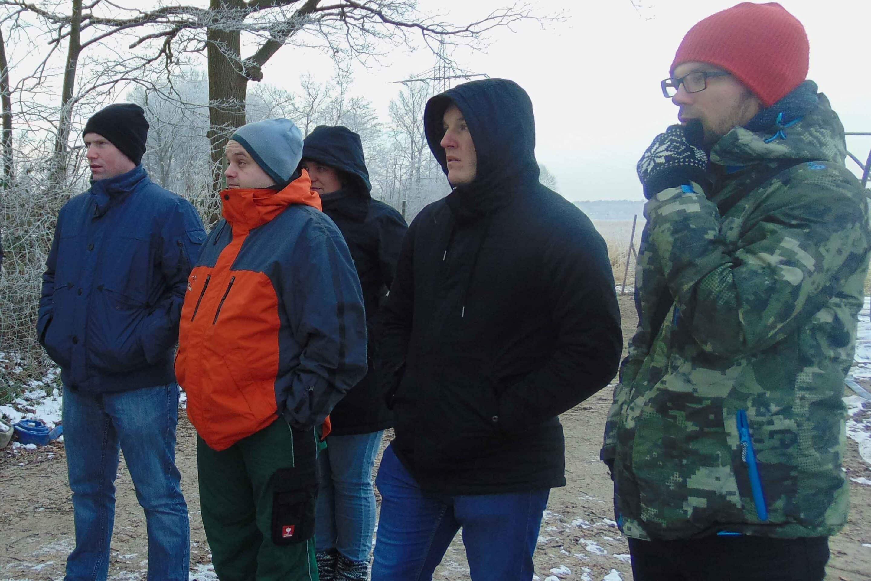 Teilnehmer bei einer Betriebsbesichtigung