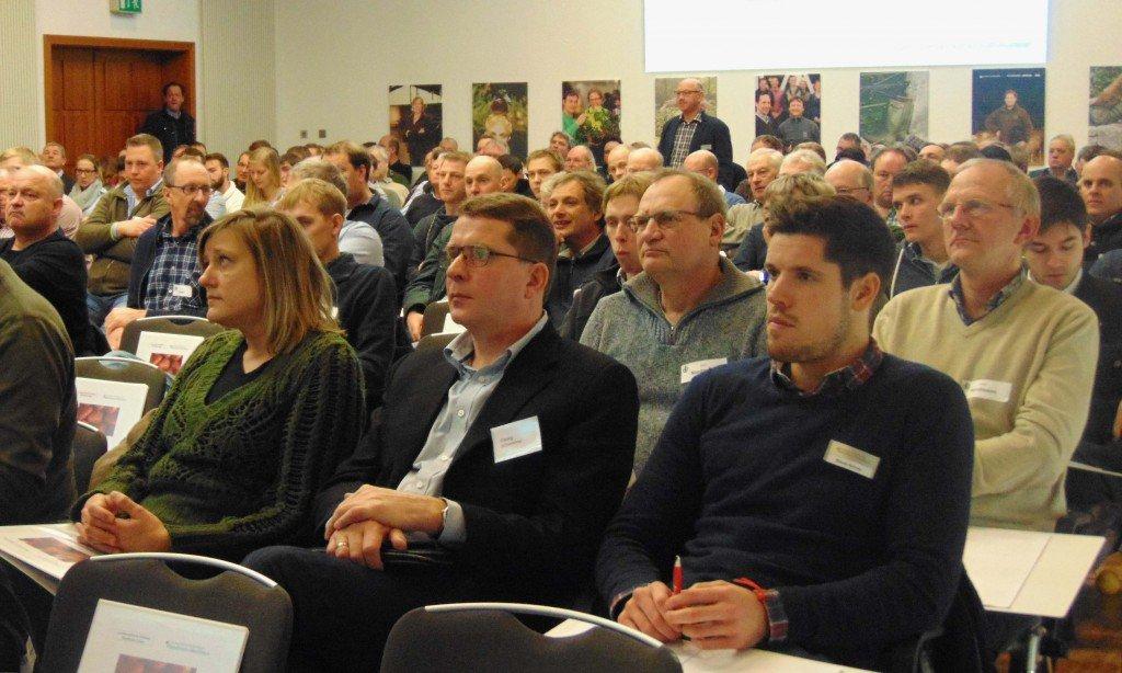 Publikum beim Beerenobstseminar Münster-Wolbeck