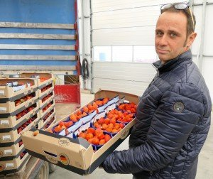 Ralf Hensen mit San-Lucar-Verpackung