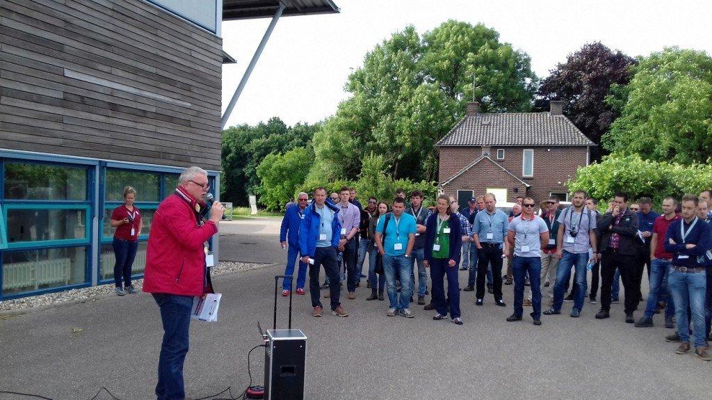 Eröffnung: Willem van Eldik begrüßt die Besucher auf KICK Randwijk