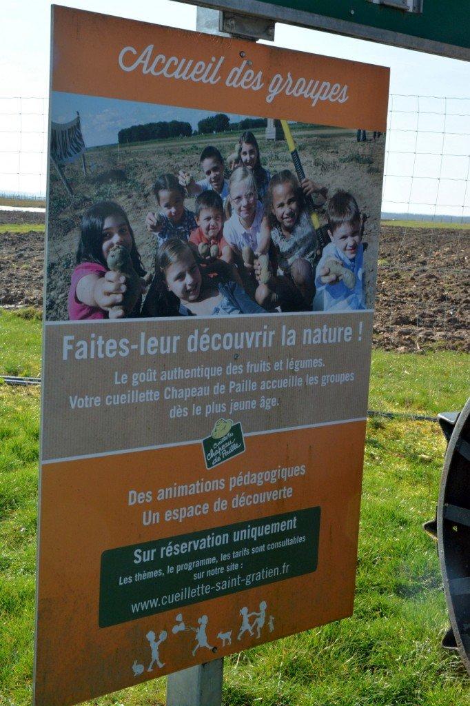 Infoschild: Kindergruppen sind willkommen. Foto: Heike Sommerkamp