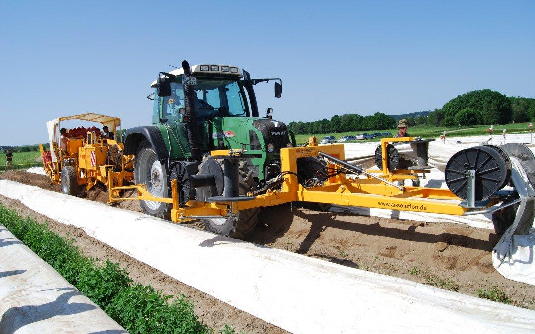 Nicht selektive maschinelle Ernte im Spargelanbau